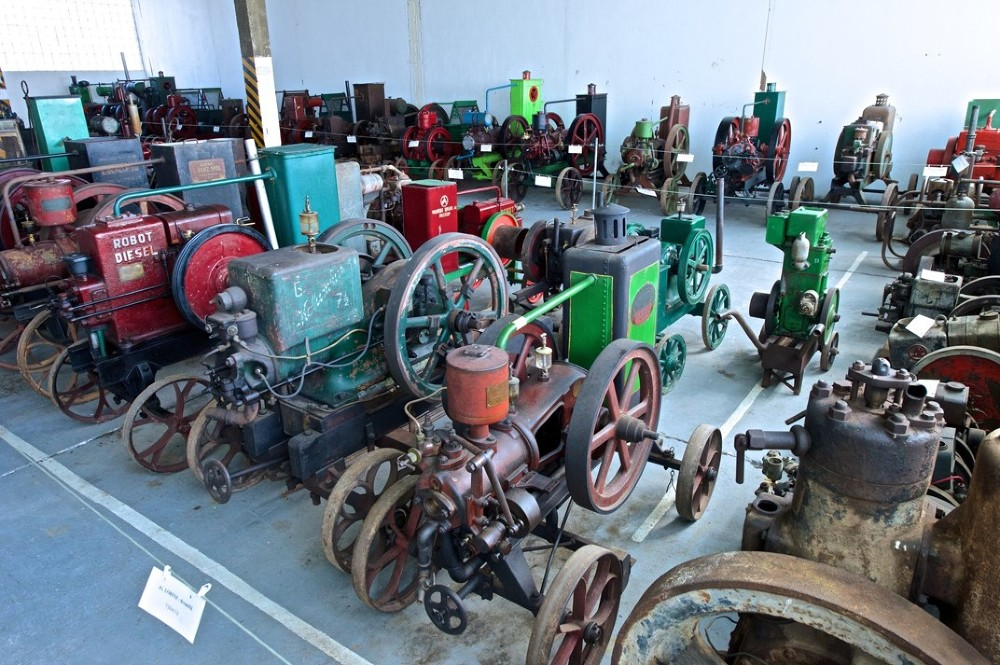 Muzeum Stroje 2   VOŠ, SPŠ a OA Čáslav